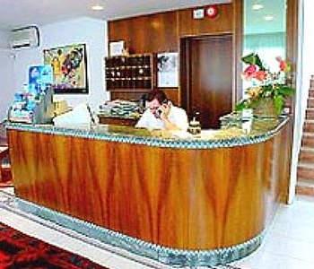 Hotel la pigna in lignano sabbiadoro compare prices for Hotel meuble oasi