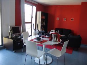 Apartment: 11 Flats - FOTO 1