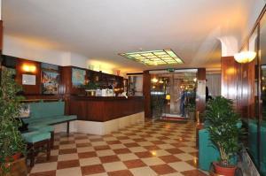 Hotel: Comfort Hotel Diana - FOTO 1