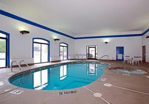 Hotel: Comfort Suites Airport - FOTO 1