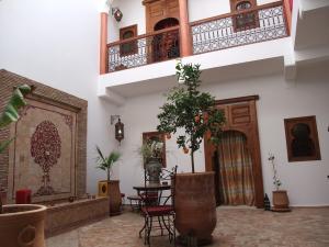 riad dar alsaad in marrakech. Black Bedroom Furniture Sets. Home Design Ideas