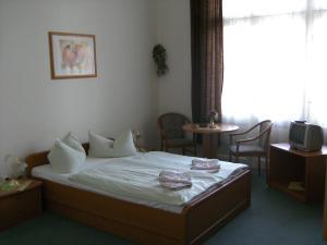 Hotel: Hotel-Pension Uhland - FOTO 4