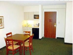 Hotel: Hawthorn Suites Midwest City - FOTO 6