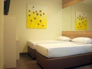 Grand Copthorne Waterfront Singapore | 5 Star Hotel in