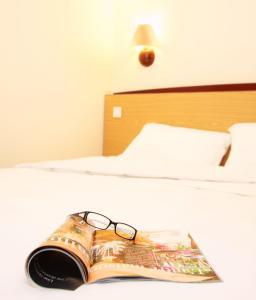Hotel: Campanile Bayonne - FOTO 2