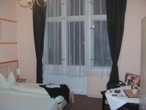 Hotel: Hotel-Pension Uhland - FOTO 9