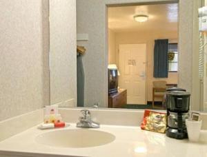 Hotel: Ramada Limited Santa Cruz Water Street - FOTO 3