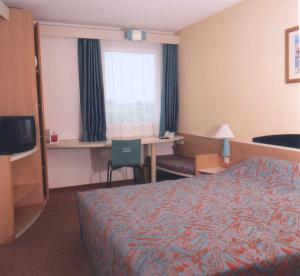 Ibis hotel wuppertal in wuppertal compare prices for Wuppertal hotel amical