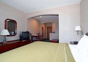 Hotel: Comfort Suites Airport - FOTO 2