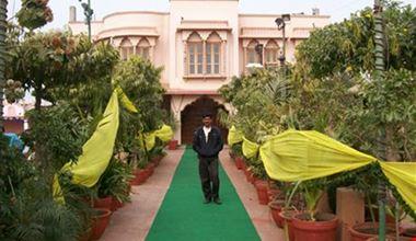 Hotel pinac pani palace jaipur in jaipur for Gardening tools jaipur