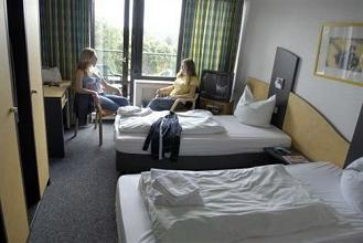 jugendherberge k ln riehl city hostel in cologne compare. Black Bedroom Furniture Sets. Home Design Ideas