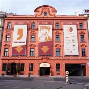 Designhotel elephant prague in prague compare prices for Design hotel elephant prague