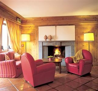 Hsh hotel gran baita courmayeur courmayeur comparaison for Meuble berthod courmayeur