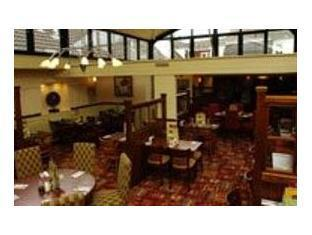 Hotel Premier Inn Salisbury In Salisbury Compare Prices