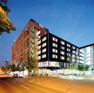 hotel nh dortmund a dortmund confronta i prezzi. Black Bedroom Furniture Sets. Home Design Ideas