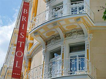 Hotel opatija quattro stelle alberghi confronta prezzi for Quattro stelle arredamenti prezzi