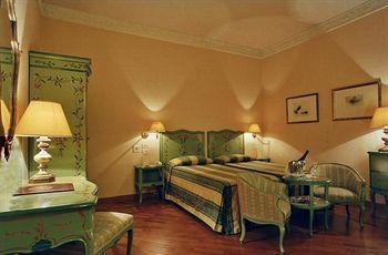 Hotel: Pierre - FOTO 1