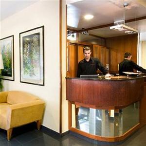 Hotel medium abalon a barcellona confronta i prezzi for Barcellona albergo economico