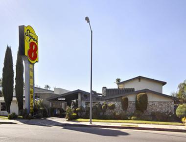 super 8 motel canoga park los angeles in los angeles. Black Bedroom Furniture Sets. Home Design Ideas