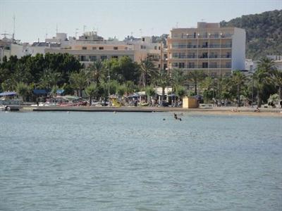 Residence ibiza villaggi turistici e case vacanze for Case ibiza agosto