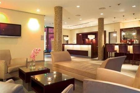 hotel santo cologne a colonia confronta i prezzi. Black Bedroom Furniture Sets. Home Design Ideas