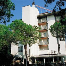 Hotel bella venezia mare in lignano sabbiadoro compare for Hotel meuble oasi