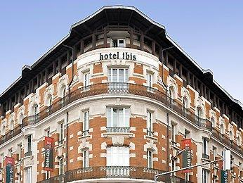 Ibis toulouse gare matabiau hotel toulouse comparaison for Appart hotel rodez