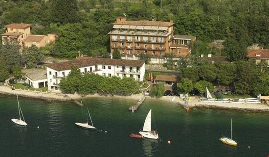 Scuola di vela e windsurf