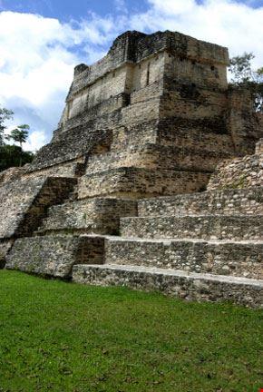 Tempio Maya a Caracol