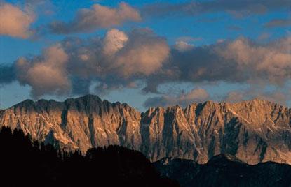 Foto Veduta della montagna a Castelleone di Suasa - 415x268  - Autore: Redazione, foto 5 di 43