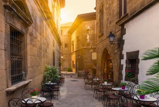 Foto poble espanyol a barcellona 550x372 autore for Ostelli a barcellona consigli
