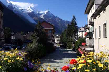 Photo chamonix-mont-blanc chamonix in settembre in Chamonix-Mont-Blanc - Pictures and Images of Chamonix-Mont-Blanc - 415x275  - Author: Editorial Staff, photo 1 of 12