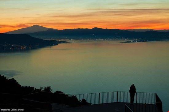 Stretto di Messina vista Monte S.Elia Palmi