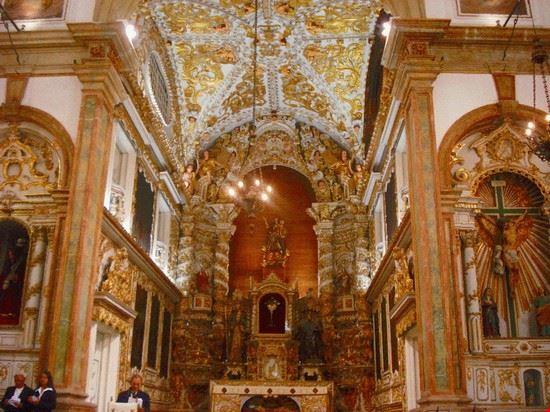 Interior da Igreja Madre de Deus.