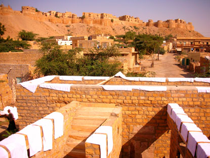 Photo jaisalmer villaggio fuori le mura in Jaisalmer - Pictures and Images of Jaisalmer - 415x311  - Author: Editorial Staff, photo 1 of 22