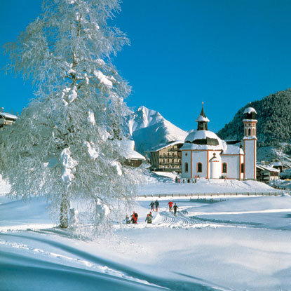 http://images.placesonline.com/photos/12407_seefeld_paese_innevato.jpg