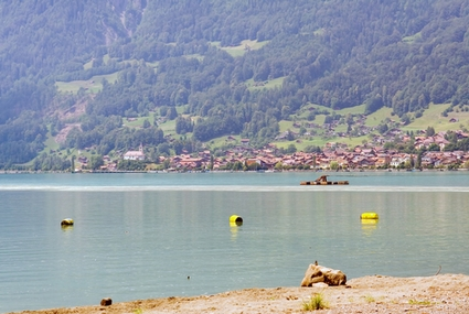 Photo Lake of the city in Interlaken - Pictures and Images of Interlaken