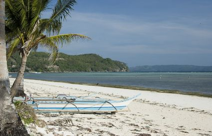 Photo Small beach in Borocay - Pictures and Images of Borocay - 425x273  - Author: Editorial Staff, photo 2 of 2