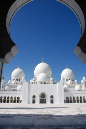 Sheikh Zayed Mosque in Abu Dhabi - Pictures and Images of Abu Dhabi ...