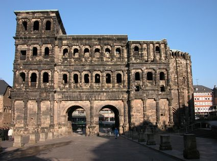 Photo The Portal Nigra in Trier - Pictures and Images of Trier - 425x315  - Author: Editorial Staff, photo 1 of 15