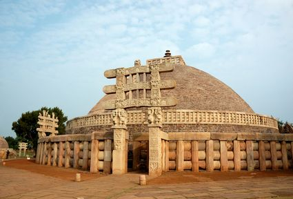 Photo Ancient Great Stupa in Rudrapur - Pictures and Images of Rudrapur