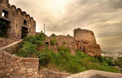 Photo Golkonda Fort in Hyderabad - Pictures and Images of Hyderabad - 425x273  - Author: Editorial Staff, photo 1 of 5
