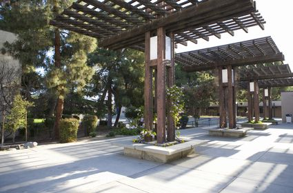 Photo Campus scene of California State University in Bakersfield - Pictures and Images of Bakersfield - 425x280  - Author: Editorial Staff, photo 1 of 2