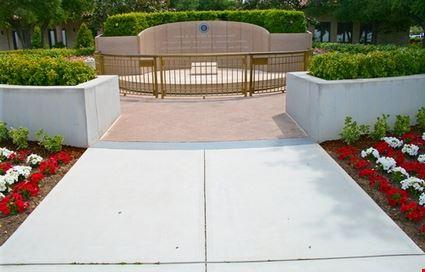 President Reagan Grave