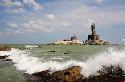 Thiruvalluvar Statue