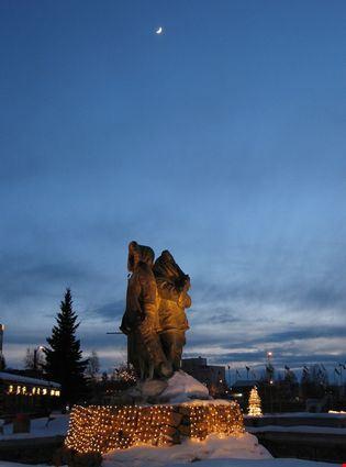 Eskimo statue