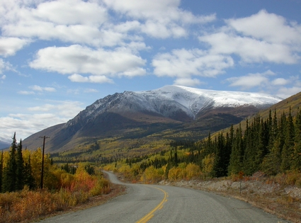 Photo Mountain landscape in Carcross - Pictures and Images of Carcross - 425x315  - Author: Editorial Staff, photo 2 of 5