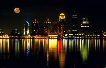 Night skyline of Louisville Kentucky