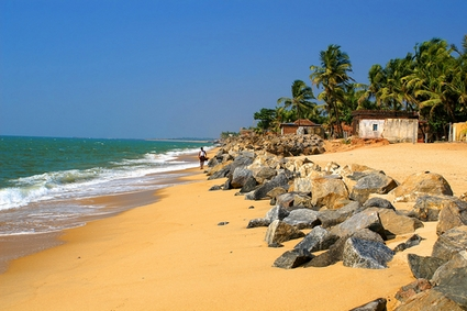 Photo Beach of Ullal Village in Mangalore - Pictures and Images of Mangalore - 425x283  - Author: Editorial Staff, photo 1 of 1