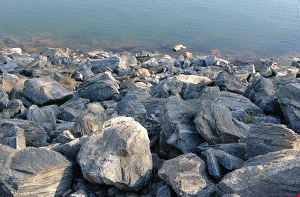 Rocks at Buford Dam